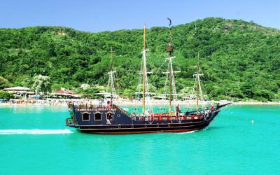 passeio-barco-pirata-balneario-camboriu